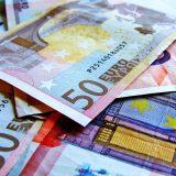 Växla pengar billigare utomlands